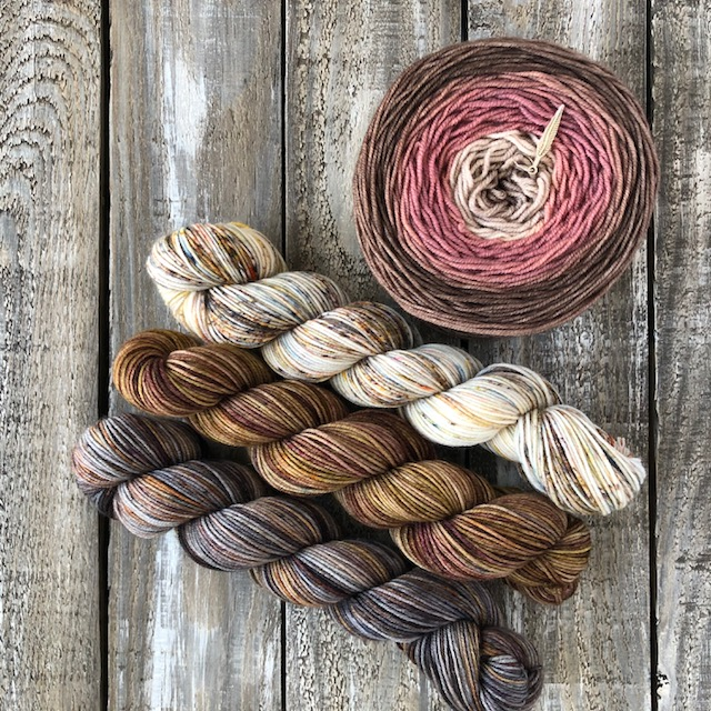 Shawl KIT – Roses Are Not Red Rose – Coffee